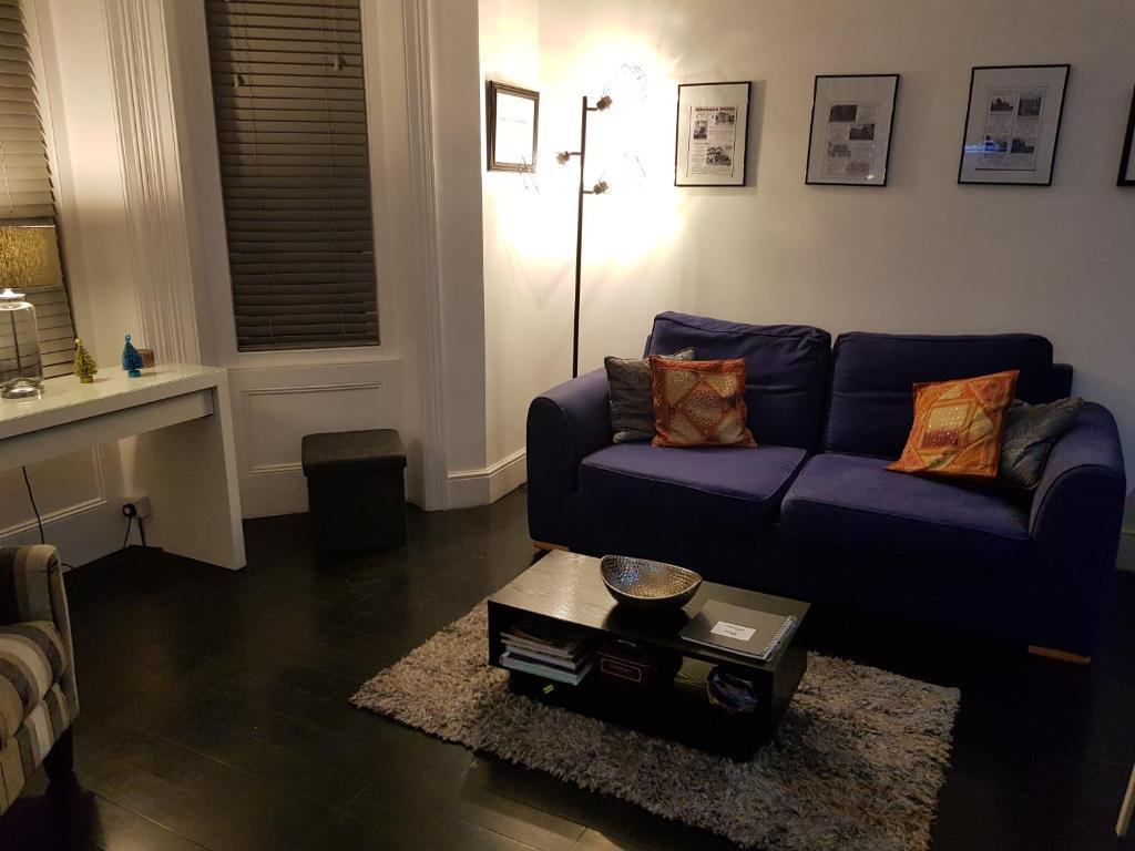 Newly refurbished, stylish apartment. in Bournemouth